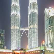 park_petronas_towers_1545.jpg